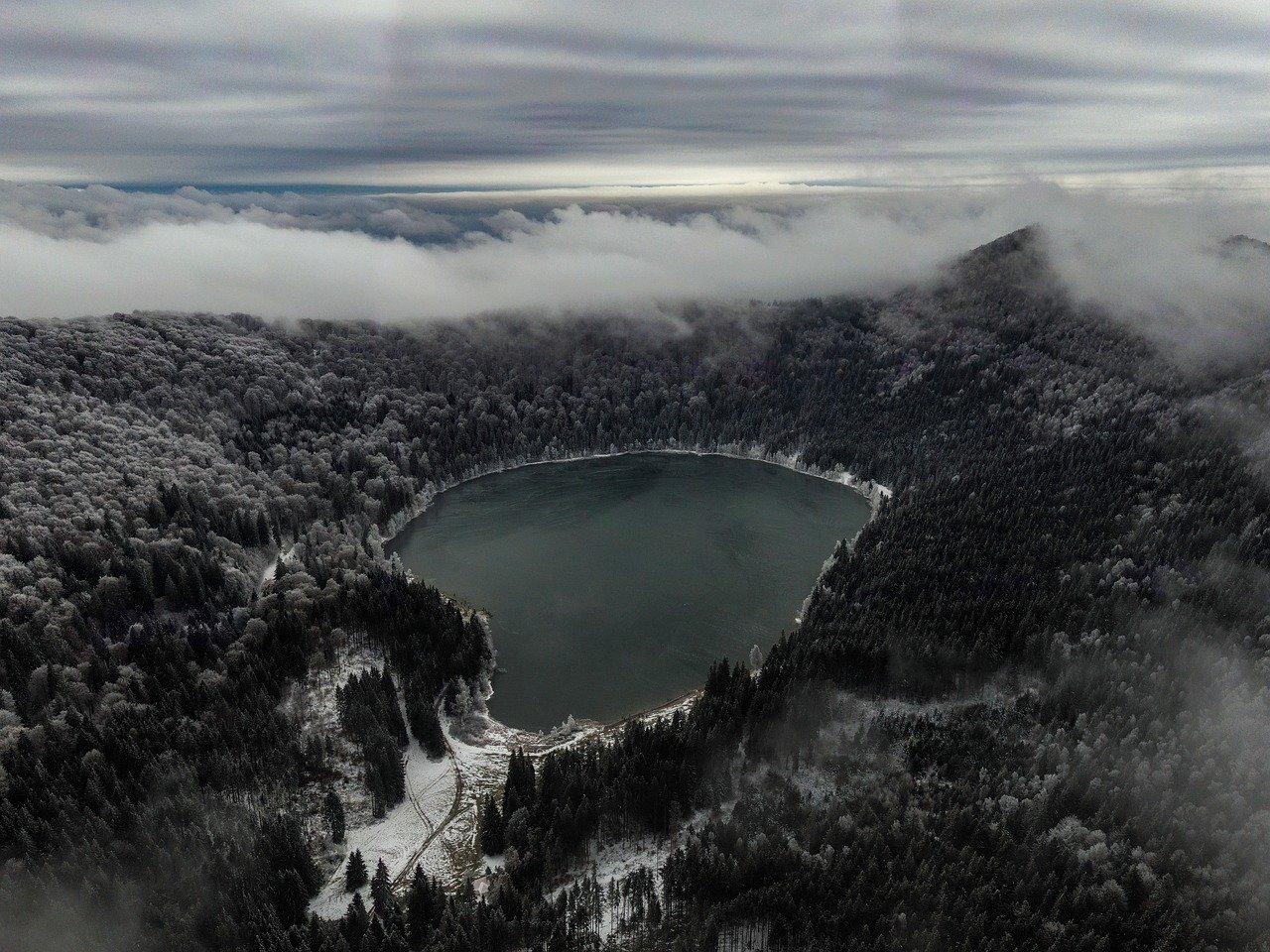 Lake Saint Ann, Bicaz