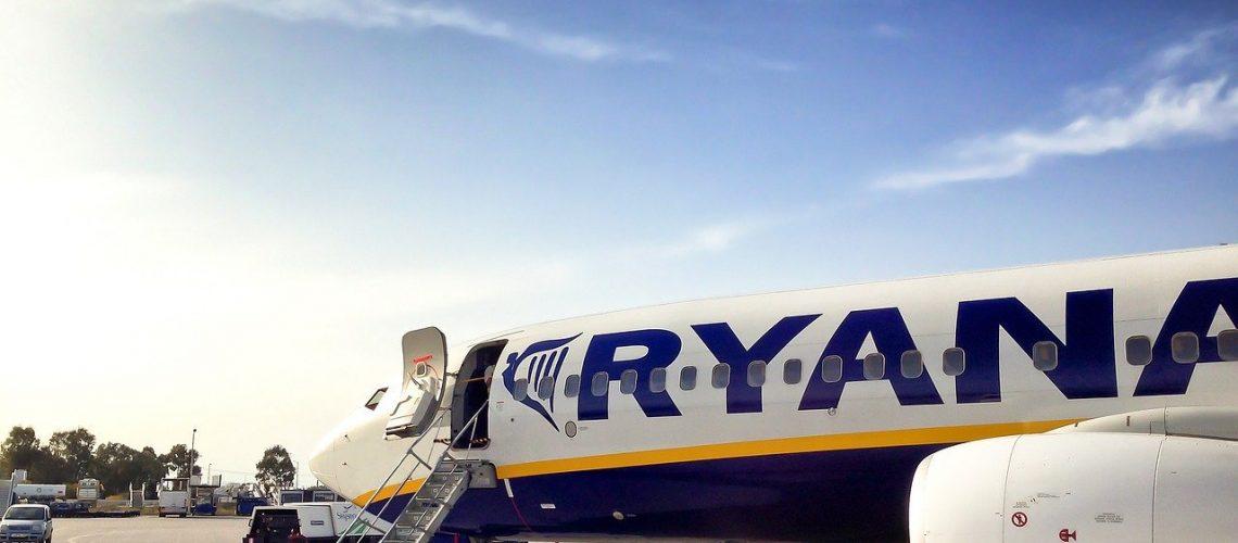 Ryanair, Aeroportul din Suceava, departure, airbus, airline-2042513.jpg