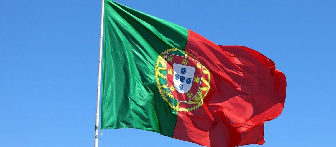 Dia de Portugal, portugal, flag, wind-1355102.jpg