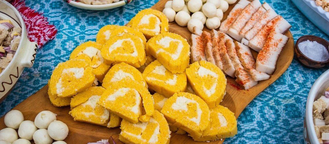 platos rumanos